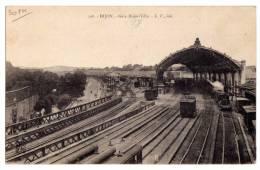 21 - DIJON - Gare De  DIJON-VILLE - Trains Et Wagons - Dijon
