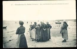 14 GRANDCAMP MAISY  / Les Marchandes De Poissons Attendent La Marée / - Other Municipalities