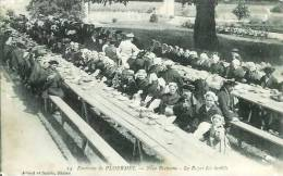 56 Environs De PLOERMEL Noce Bretonne Le Repas Des Invités - Ploërmel