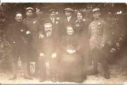 CARTE PHOTO SOUVENIR DE LA GUERRE 1916 PERSONNEL SANITAIRE ,SOLDAT DU 82è PHOTO H.THIERRY YERRES A VOIR !!! REF 30468 - Guerre 1914-18