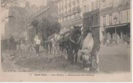 PARIS VECU ( Aux Halles- Enlevement Des Detritus ) - France