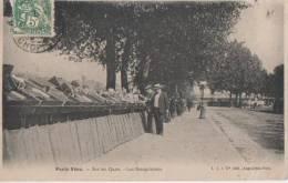 PARIS VECU ( Sur Les Quais - Les Bouquinistes ) - France