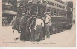 PARIS VECU (attente Au Tramway ) - France