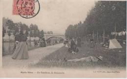 PARIS VECU ( En Banlieue Le Dimanche ) - France
