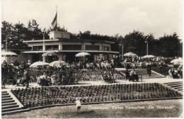 "Nederland/Holland, Oosterhout, Terras Natuurbad ""De Warande"", 1958 - Oosterhout"