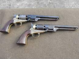 2 Revolvers Cal 36  Poudre Noir (actuellement Inapte Au Tir) Cowboys - Andere