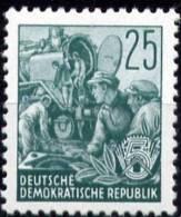 Mi. 372  Fünfjahrplan I  Offsetdruck  **/MNH - DDR