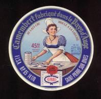 Etiquette De Fromage Camembert  -    F.L.S.A.  BP 65  Saint Pierre Sur Dives (Calvados) - Fromage