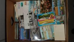 Bunt Gemischt - Ca. 2000 Karten In Bananenschachtel - 70\´er 80\´er Und 90\´er Jahre - Ansichtskarten