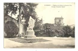 Cp, 88, Domrémy, L'Eglise Et La Maison De Jeanne D'Arc, Voyagée - Domremy La Pucelle