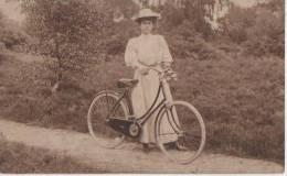 BELLE CYCLISTE - Cyclisme
