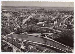 Cpsm 18 - Dun Sur Auron - Vue Aérienne Sur Le Bassin Et Le Châtelet - Dun-sur-Auron