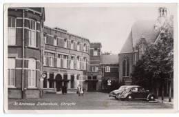 < Automobile Auto Voiture >> VW Cox Split Window, Studebaker Champion, Hôpital Utrecht Hollande - Voitures De Tourisme