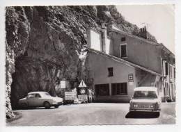 Ref 101  : CPSM 26 COL DE ROUSSET Le Tunnel Du Col Coté Diois Et Le Refuge Citroen Ami 6 Renault Dauphine - France