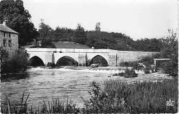 CPSM, Environs De BESSINES, Le Vieux Pont, Que D'eau  !  (14.82) - Bessines Sur Gartempe