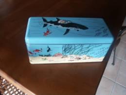 BOITE A BISCUIT TINTIN DANS LE SOUS MARIN SURPRIS - Tintin