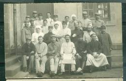 Cpa Photo , Trombinoscope D'un Hopital Militaire , Médecin , Infirmières Et Blessés , Non Ecrite Ni Datée - Uj22 - Guerre 1914-18