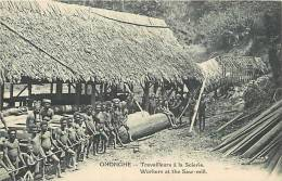 Oceanie- Ref 65- Papouasie Nouvelle Guinée -travailleurs A La Scierie -theme Le Bois -arbres -scieries -carte Bon Etat - - Papua Nuova Guinea