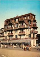 CPM N°14360 - TROUVILLE SUR MER 14 Calvados - Hôtel FLAUBERT Animé - Trouville
