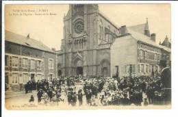 08 1593  FUMAY    La Place De L Eglise - Fumay