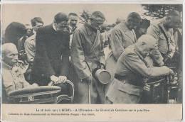 88 ** MENIL   Le 28 Aout 1917 à Ménil , à L Elévation , Le Général De Castelnau Sur Le Prie Dieu . - Francia