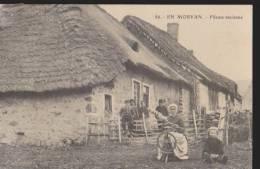 CPA:En Morvan:Fileuse Ancienne:Animée - France