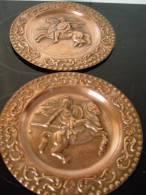 Paire D'assiettes Cavaliers Grecs - Rame