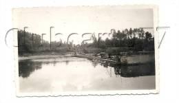 Courlon-sur-Yonne (89) : Le Barrage De Courlon Vue De La Retenue D´eau En 1952. - Lieux