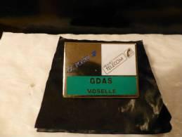 PINS LA POSTE  //  LA MOSELLE,,,57,,, G.D.A.S. LA MOSELLE ,,, FRANCE TELECOM    / /   TTBE - Mail Services