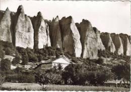 """CPSM DIGNE (Alpes De Haute Provence) - Rochers Des Mées : Les """"Pénitents"""" - Digne"""