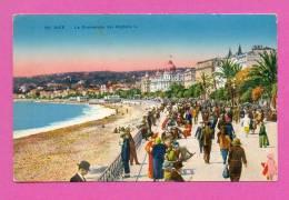 CPA  FRANCE  06  -  NICE  -  60  La Promenade Des Anglais  ( Animée ) - Parques, Jardines