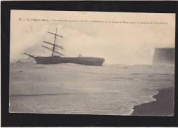 Le Treport-mers - Le Voilier Trois Mats Russe Le Saluto Desemparé Sur La Plage De Mers - Le Treport