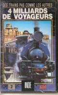 K7, VHS. DES TRAINS PAS COMME LES AUTRES. INDE, 4 MILLIARDS DE VOYAGEURS. Volume 1 - Documentaires