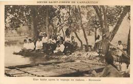 Asie - A177- Birmanie -soeurs St Joseph De L Apparition -en Radeau -theme Christianisme -religions   -carte Bon Etat - - Postcards