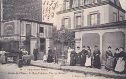 CPA Pantin. Parfumerie Renou, 8 Rue Palestro. Entrée De L´usine. Très Animée. - Pantin