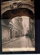 FRANCE 76.CPA.(SEINE MARITIME).ROUEN.LA RUE DE LA GROSSE HORLOGE,TRES ANIMÉE.NON CIRCULÉE - Rouen