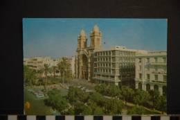 TUNISIE   TUNIS  PLACE DE L'INDEPENDANCE  58     EDITIONS TANIT    NON VOYAGEE - Tunisie