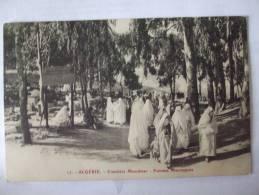 ALGERIE - AL -  SCENES ET TYPES -  CIMETIERE MUSULMAN - FEMMES MAURESQUES - Algerije