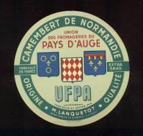 Etiquette De Fromage Camembert  -  UFPA  -    M. Lanquetot  à St Martin De Bienfaite  (Calvados) - Fromage