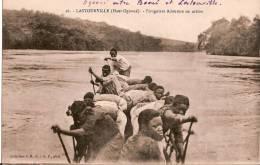 GABON/ Lastourville/ Haut Ogoué/Piroguiers Adoumas/vers 1925     CPD42 - Gabon