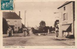 JOURNET - Le Bourg (Café Avec Pompe à Essence ) - Francia