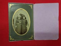 Photo Dames -chapeau-ombrelle  7.5cmx12cm Avec Cadre- - Photos
