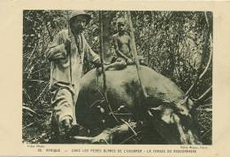 Uganda Chasse A L' Hippopotame Hippopotamus Hunting No 66 Pere Blanc Et Enfant Nu - Uganda