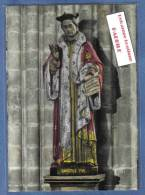 D 22. Treguier Intérieur De L'église  Statue De St-Yves Avocat Des Pauvres Trés Beau Plan - Tréguier