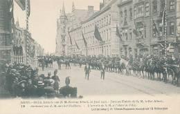 GENT /  BLIJDE INTREDE Z.M. DE KONING ALBERT 22 JUNI 1913 - AANKOMST STADHUIS - Gent