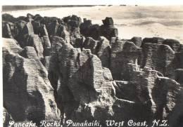 Pancake Rocks, Punakaiki, West Coast, New Zealand - Vintage View Card 8.5 X 7 Cm, Unused - New Zealand