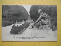 VERSAILLES. Le Château. Le Parc. Le Remouleur Par Foggini. - Versailles (Schloß)