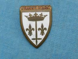 INSIGNE MARINE  :  JEANNE D ARC - CROISEUR ECOLE #1