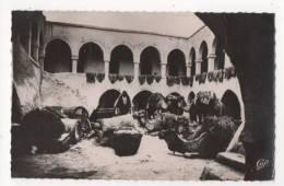 TUNISIE - ILE DE DJERBA - Cour Intérieure Dans Une Maison Arabe - CPSM - Túnez
