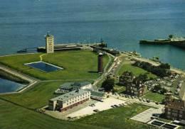 00661  CUXHAVEN - Blick Auf Die Alte Liebe Mit Leuchtturm Und Radarturm - Cuxhaven